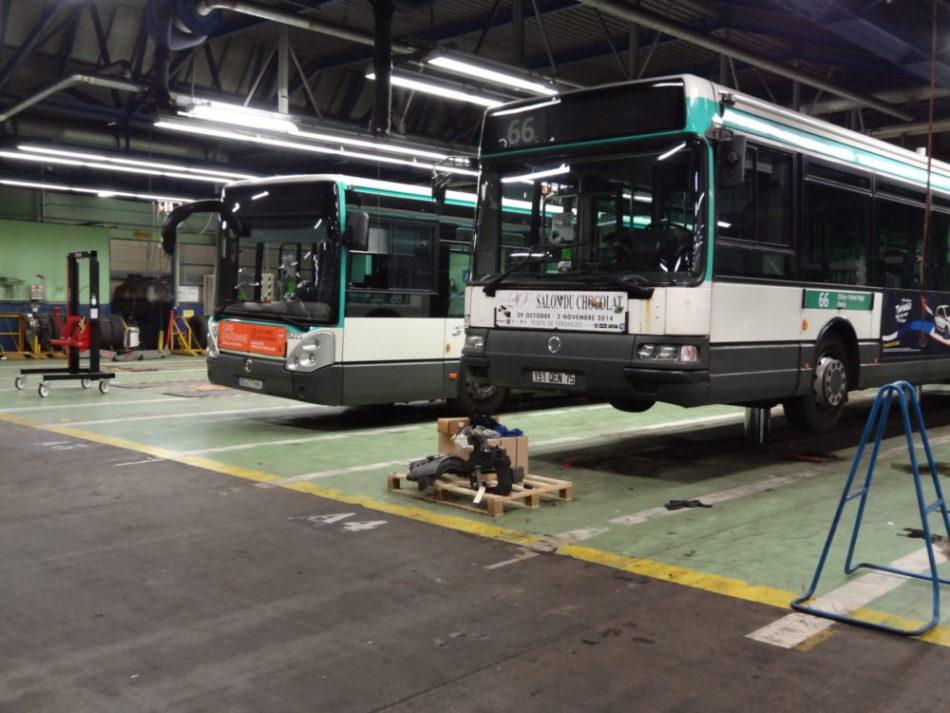 Bus sur zone de travail